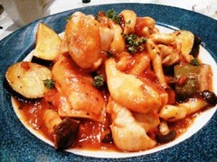 ズッキーニと鶏モモ肉のトマト煮込み&アボカドのグァカモーレ