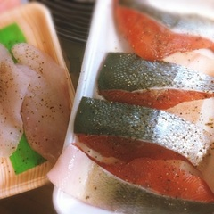 秋の味覚 秋鮭とタラをムニエルにしました♪