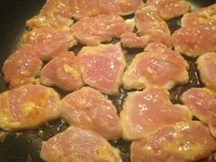 我が家の簡単「鶏肉のピカタ」 フライパンでふっくら蒸し焼きに