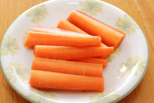 オイシックスの産地限定野菜で作ったニンジンスティック!